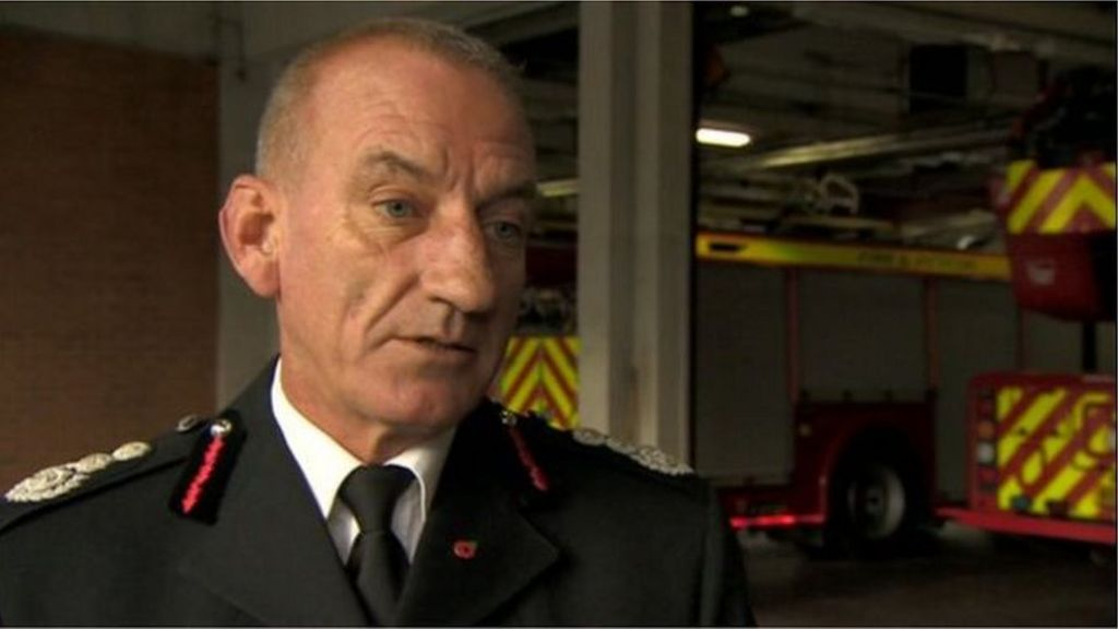 Chief fire officer and deputy suspended