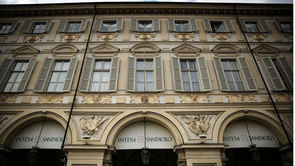 Italy bails out two banks for 5.2bn euros