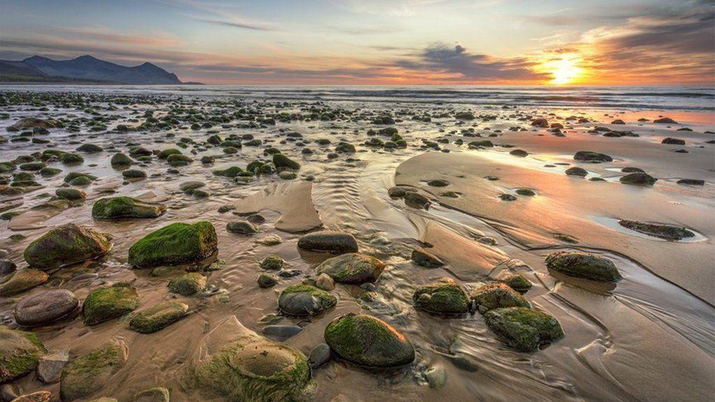 Machlud ar draeth Aberdesach // A beautiful evening at Aberdesach beach at th etop of the Lleyn Peninsula