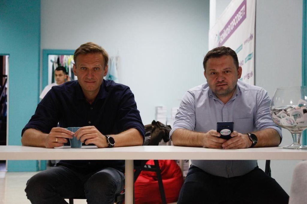 Sergei Boiko (R) with Alexei Navalny