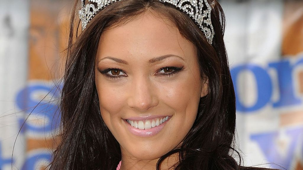 Sophie Gradon: Love Island star took own life - BBC News