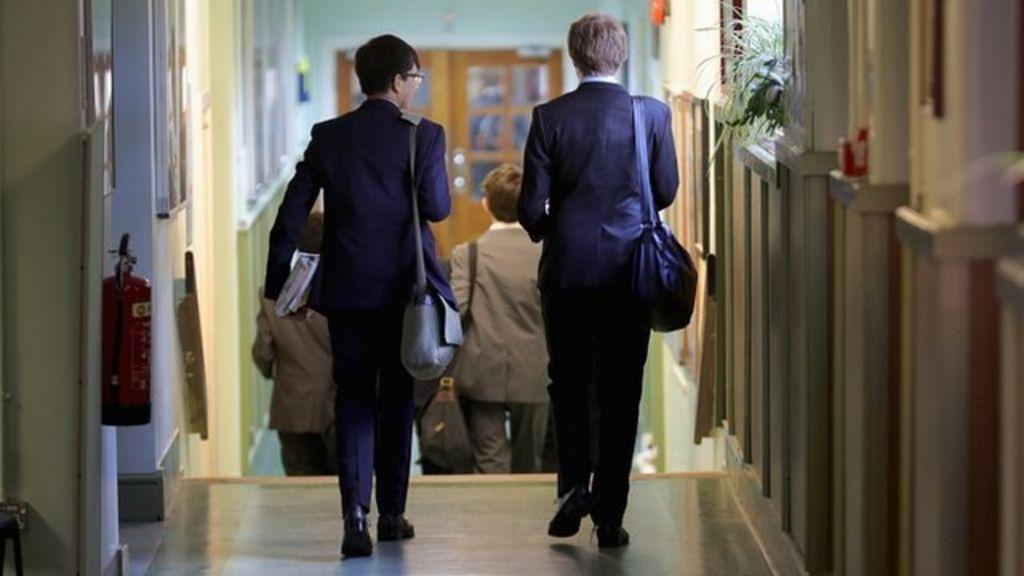 Queen's Speech: Grammar school expansion abandoned – BBC News