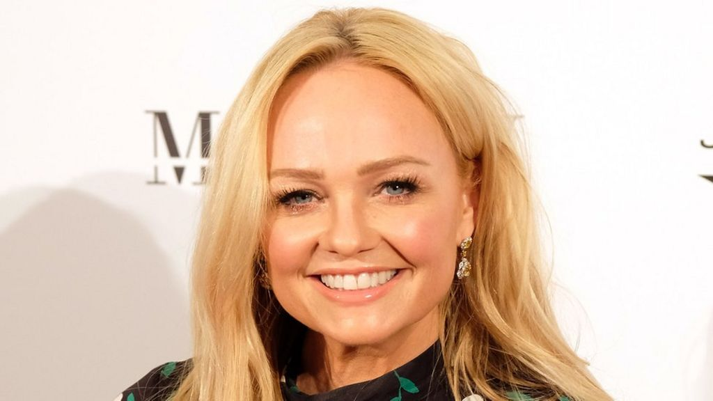 Emma Bunton to host the US version of Bake Off - BBC News