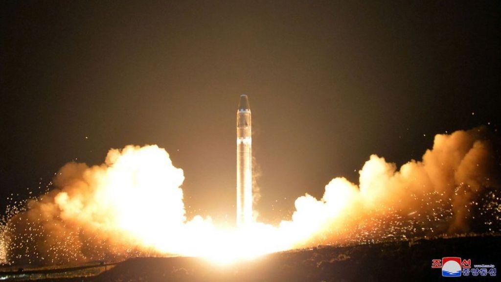 Airline crew 'saw North Korea missile'