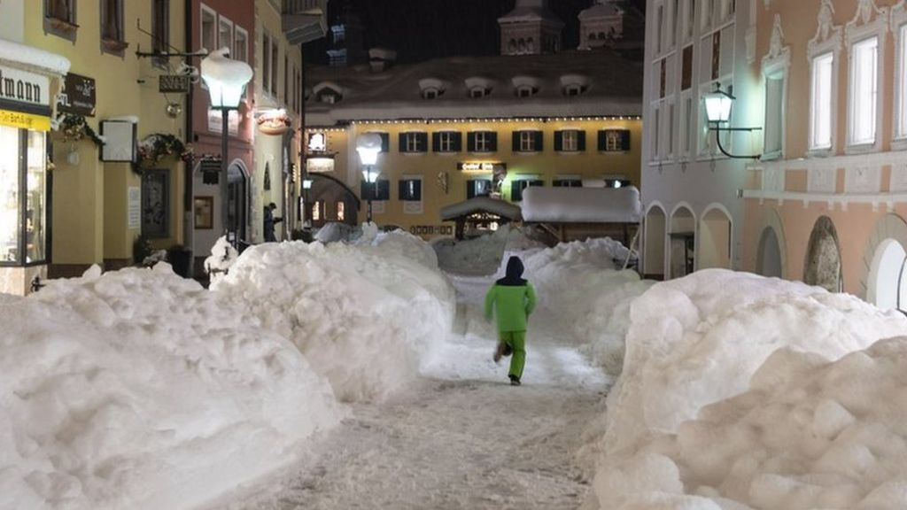 bbc.co.uk - Snow brings parts of Europe to standstill