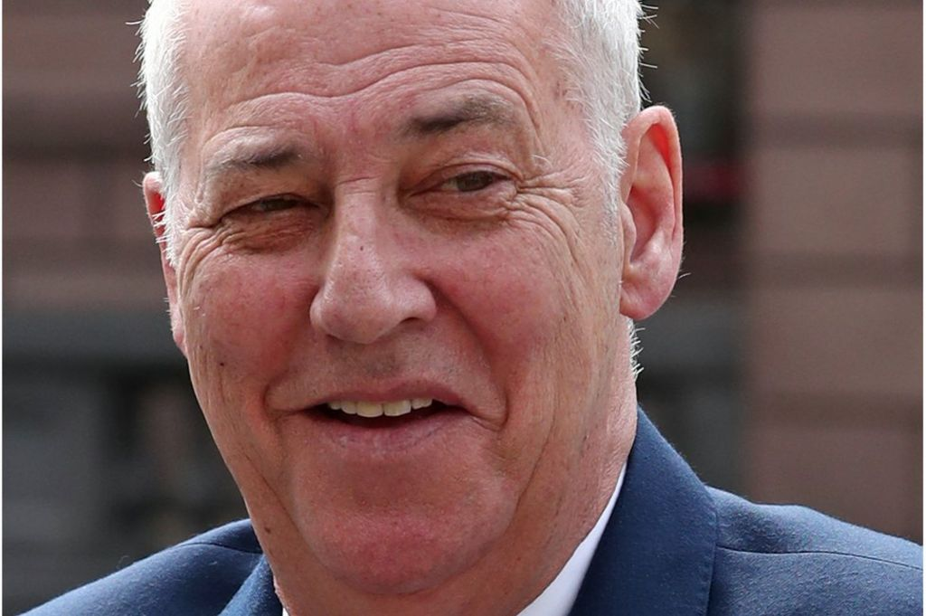 Michael Barrymore to get damages over rape and murder arrest - BBC News