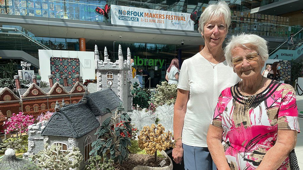 Margaret Seaman and her daughter, Tricia Wilson.