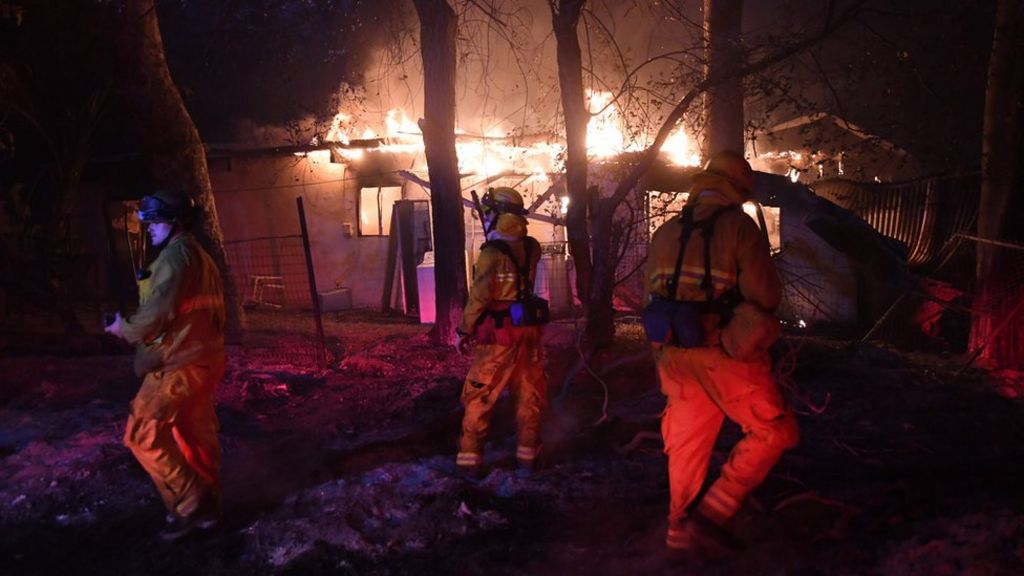 California firefighter dies in blaze