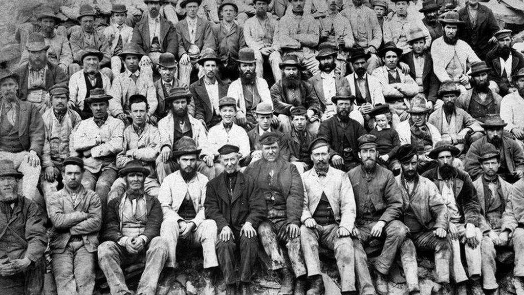 Old photo of Dorothea Quarry workers