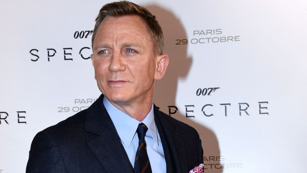 Daniel Craig undecided on James Bond film