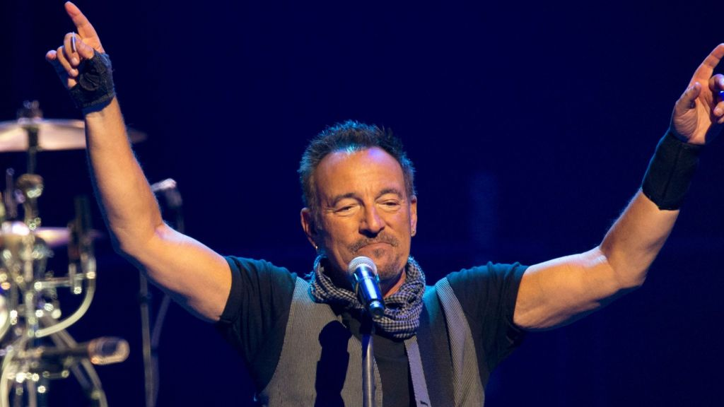 Bruce Springsteen Christmas.Bruce Springsteen On Christmas Desert Island Discs Bbc News