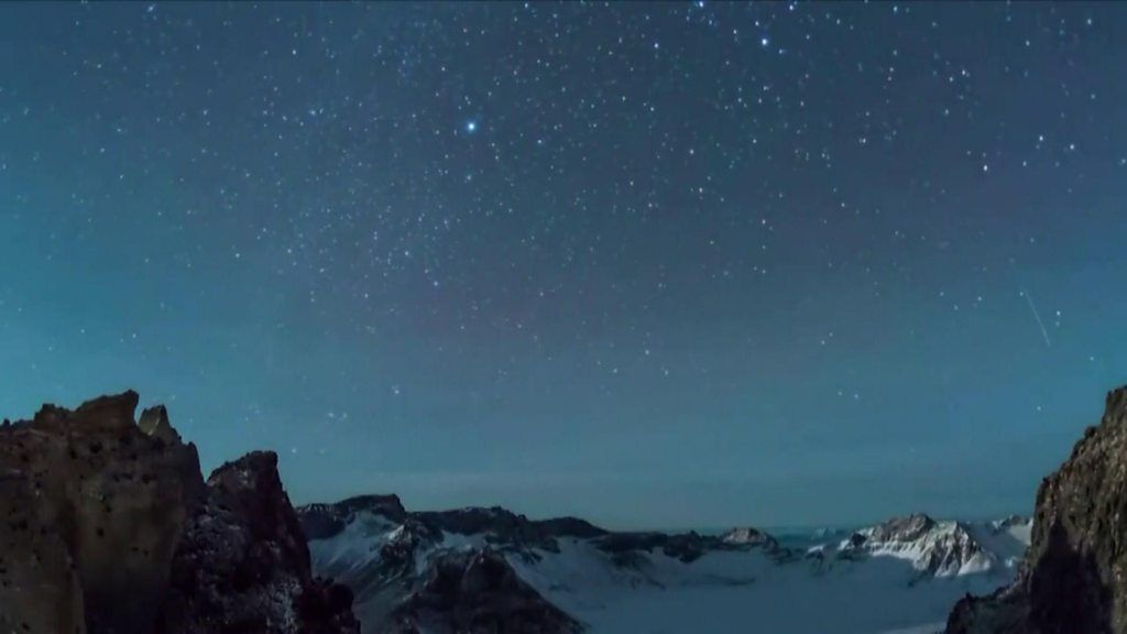 Geminid meteor shower lights up sky