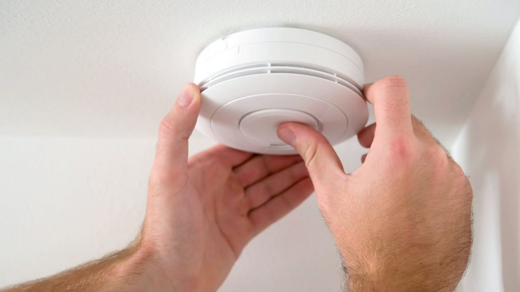 Smoke Alarms Fail In A Third Of House Fires Bbc News