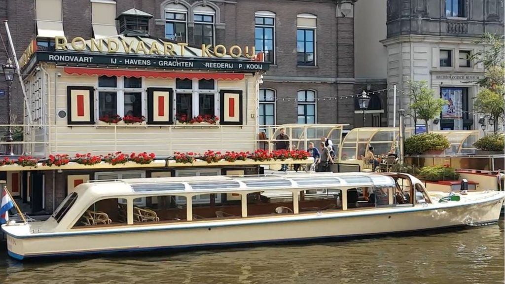 How Amsterdam's canal boats are going electric - at a cost