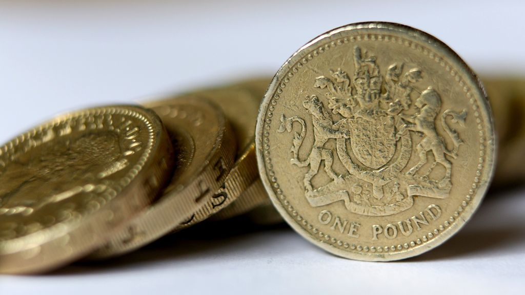 Down the sofa?: 169 million old £1 coins not returned - BBC News