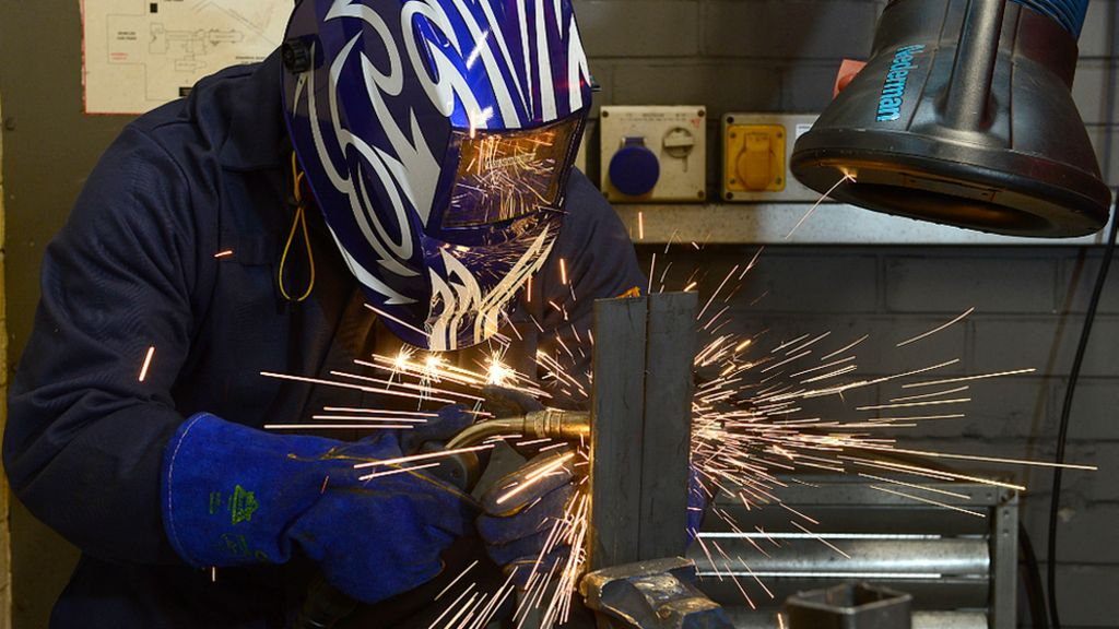 Ditching doctorate dreams to be a welder - BBC News