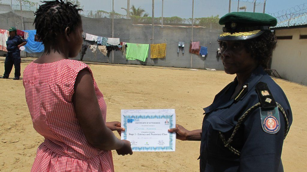 Correctional office gives certificate to student