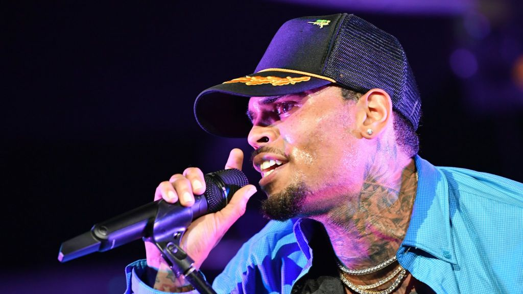 478ad2a188 Chris Brown  US singer released in Paris rape inquiry - BBC News
