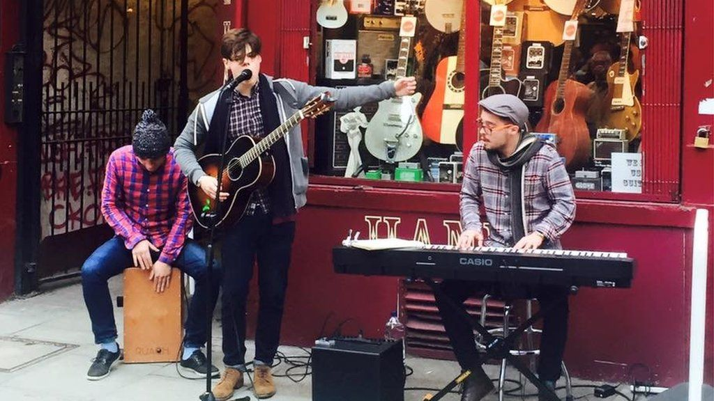 Yungblud performs outside Hank's Guitar Shop