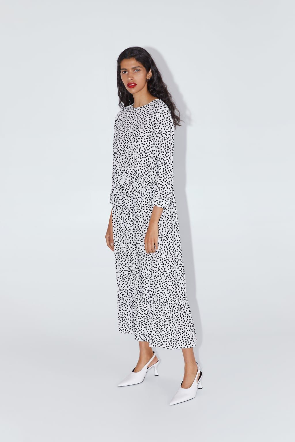 Picture of the white Zara dress