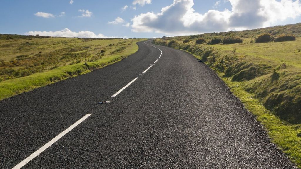 Are roads safer with no central white lines? - BBC News