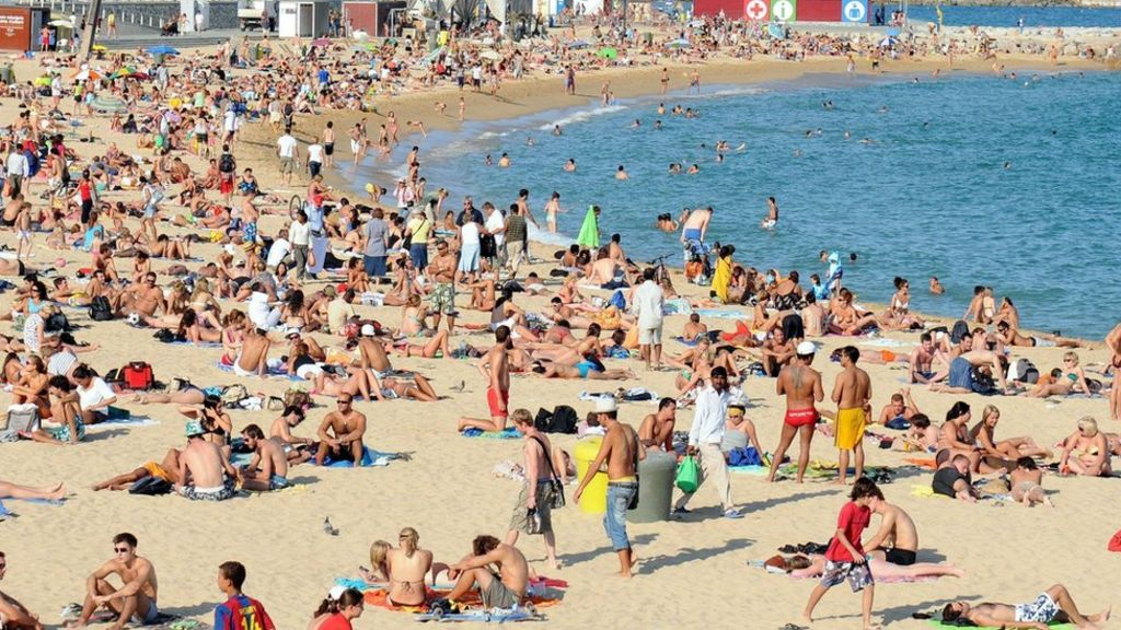 Young people 'most likely to go abroad without insurance'