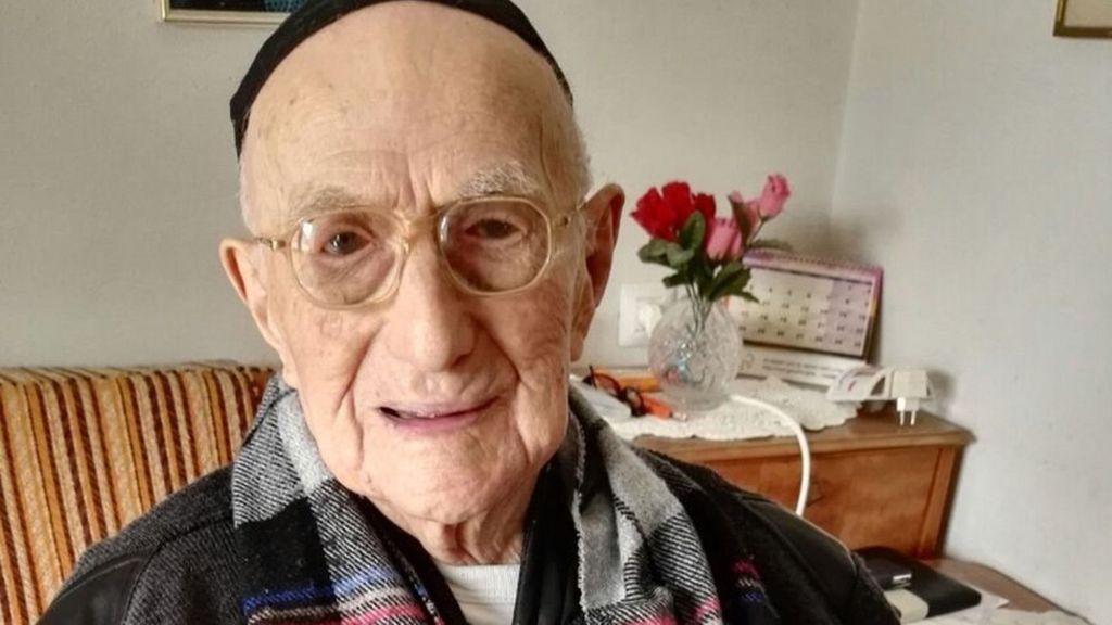 World's oldest man, Auschwitz survivor Yisrael Kristal dies - BBC News