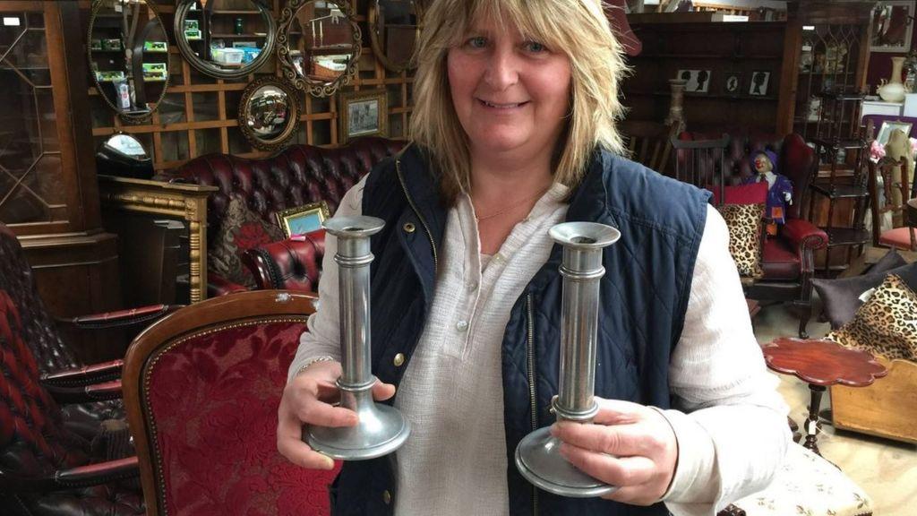 R38 Airship-wreckage candlesticks found at auction - BBC News