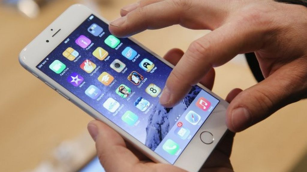 Apple facing huge chip patent bill after losing case - BBC News