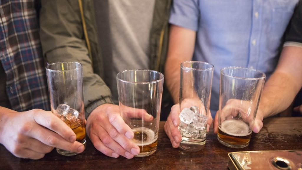 Why I drink 100 units of alcohol a week' - BBC News