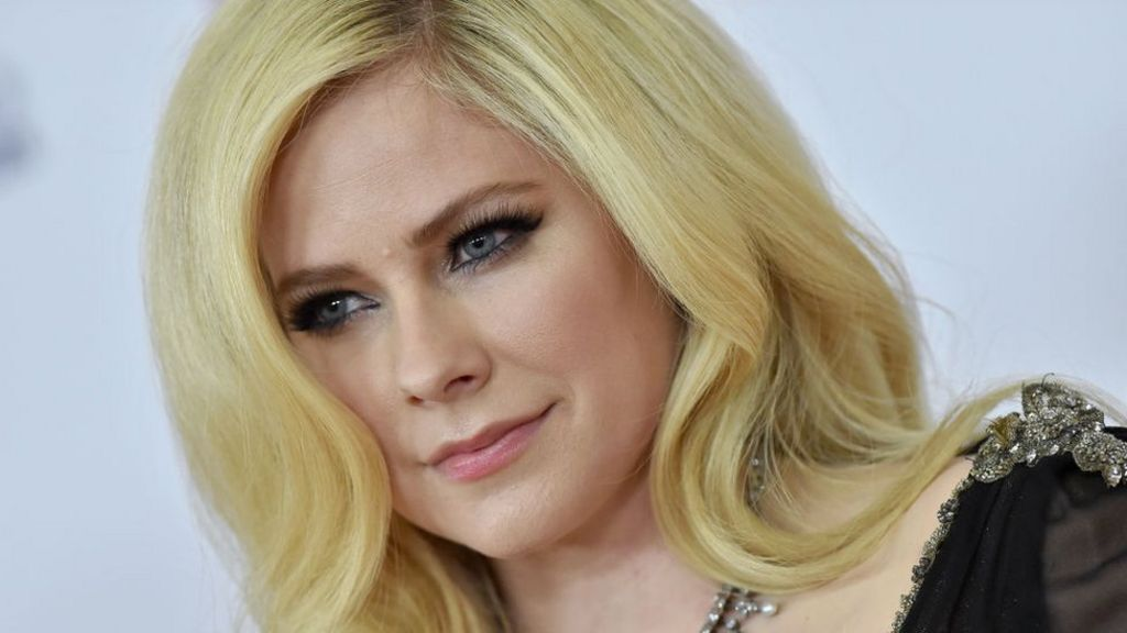 Avril Lavigne Says She Accepted Death Before New Song Bbc News