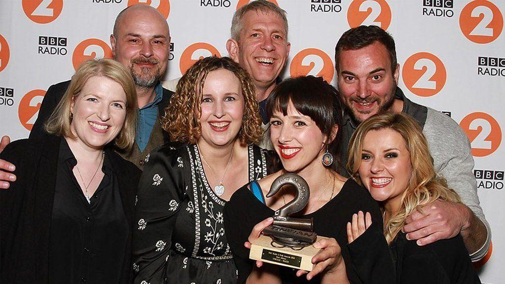9 Bach - Enillwyr Albwm Werin y Flwyddyn yn y Radio2 Folk Awards eleni
