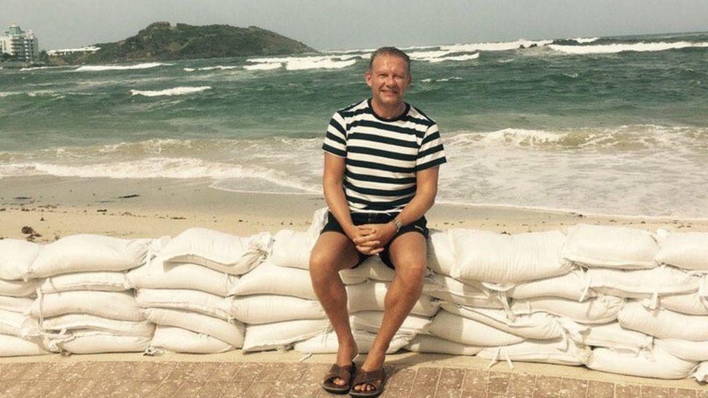 Hurricane Irma: Briton stuck on 'war zone' island rescued