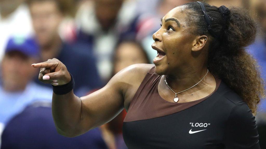 a6c377ec0b2 US Open 2018: Naomi Osaka wins after Serena Williams outburst - BBC ...