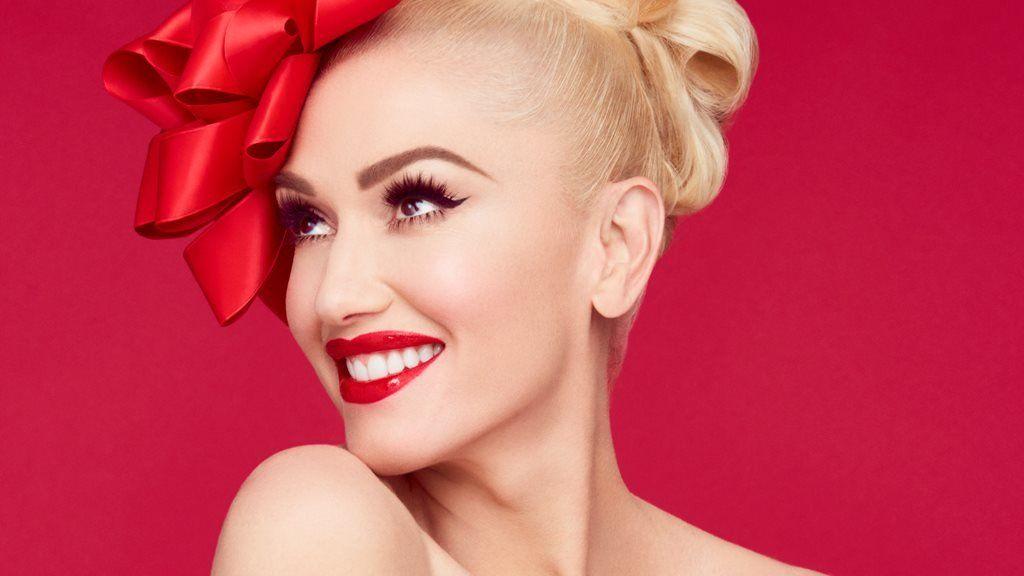 Gwen Stefani wants an enduring Christmas hit like Mariah Carey