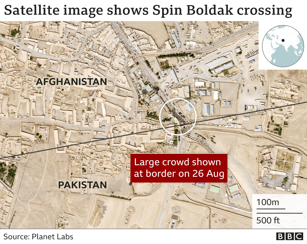 Satellite image showing a crowd of people gathered at the Spin Boldak crossing point between Afghanistan and Pakistan