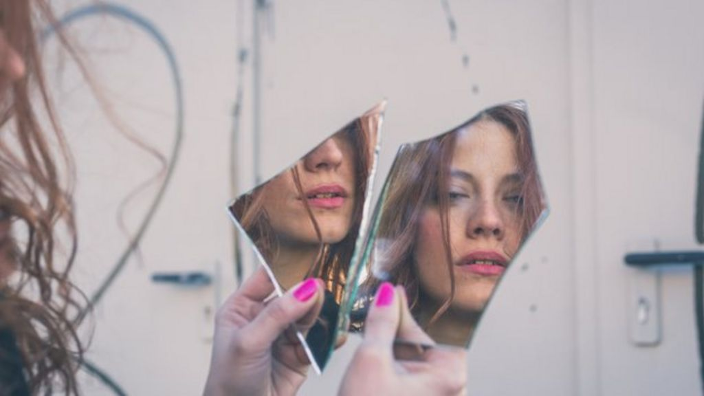 The 'ugly truth' about Body Dysmorphic Disorder - BBC News