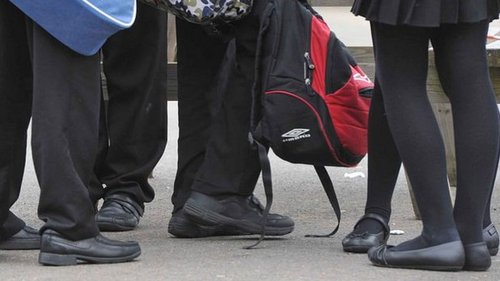 School 'sorry' for shoe Facebook post