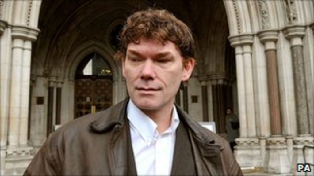 Hacker Gary McKinnon's mother welcomes Obama comments - BBC News