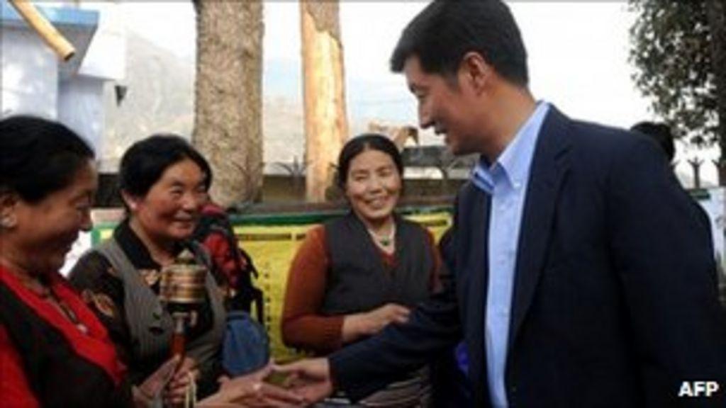 Lobsang Sangay elected Tibetan exile leader - BBC News
