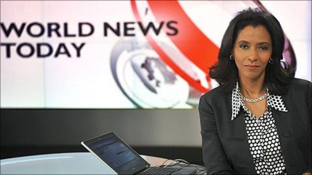 BBC News Presenter Carole Walker Caught Brushing Her Hair