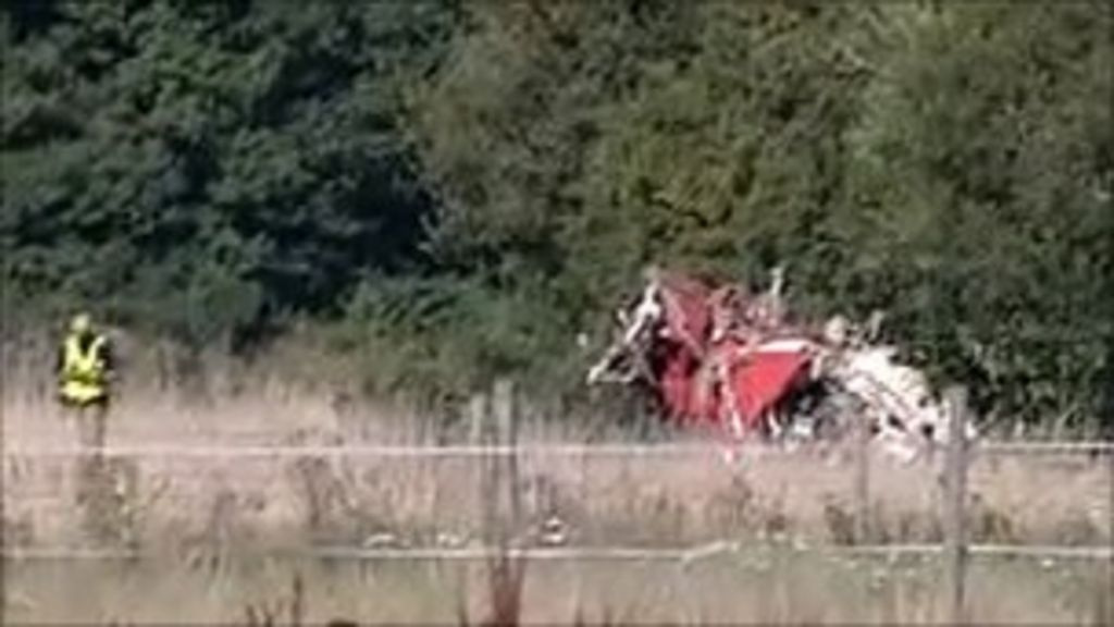 Red Arrows jet wreckage removed from Bournemouth site - BBC News