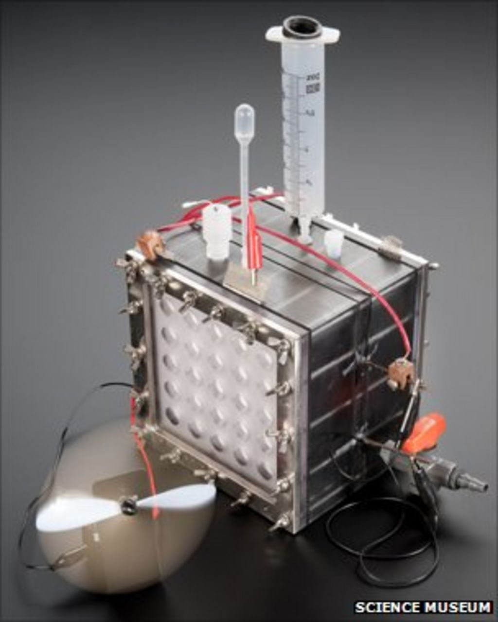 Harvesting Limitless Hydrogen From Self Powered Cells