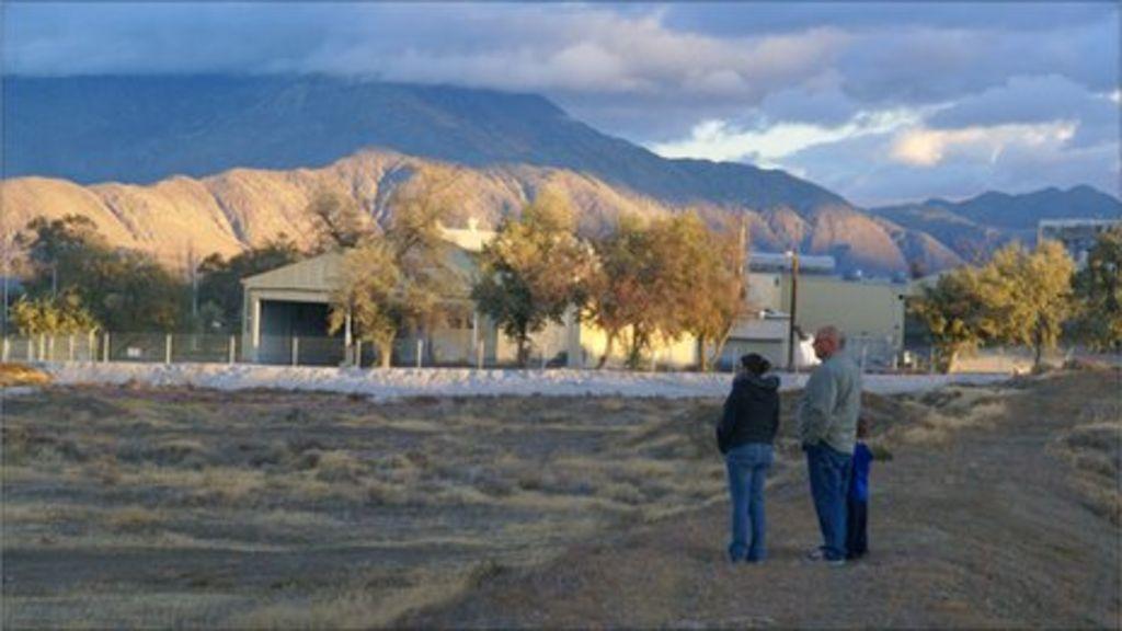 End of Empire: Tough economy closes mining town - BBC News