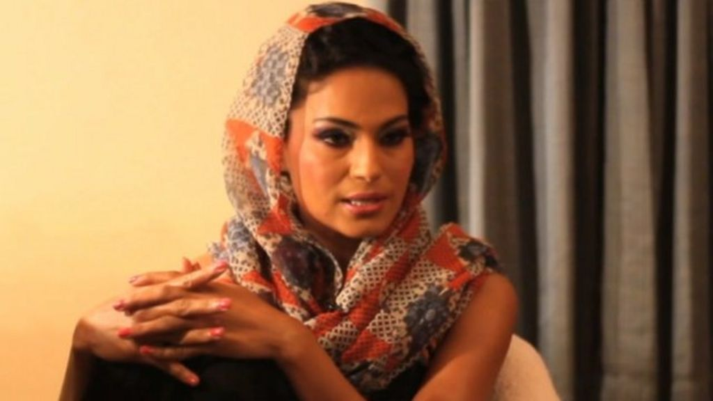 Veena Malik Says She Was Topless But Not Nude In Fhm -7694