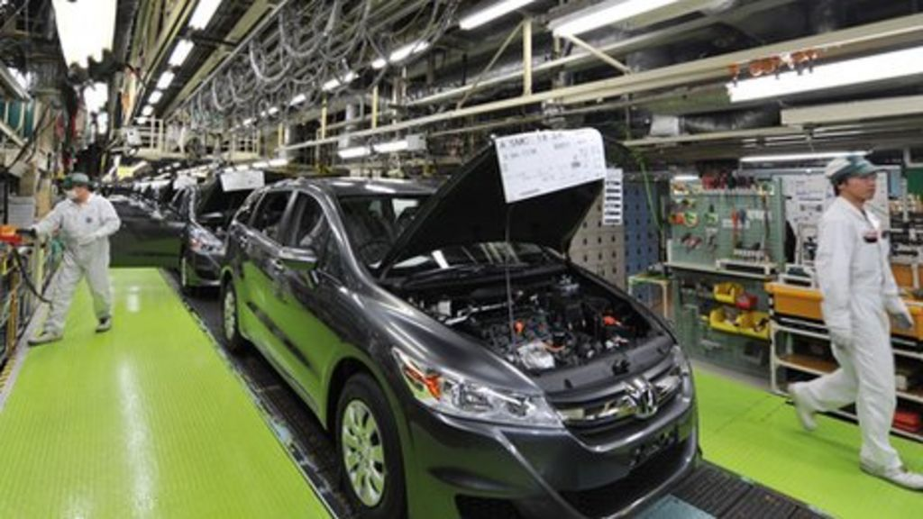 Japan's industrial output falls on weak global demand ...