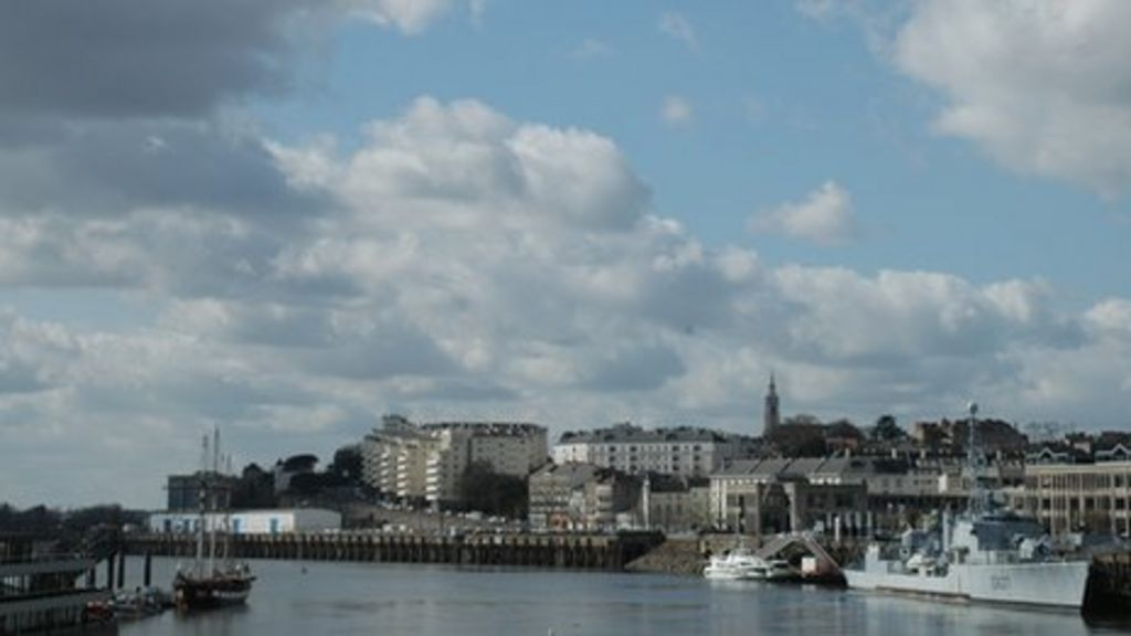 french economy nantes highlights clouds on horizon bbc news. Black Bedroom Furniture Sets. Home Design Ideas