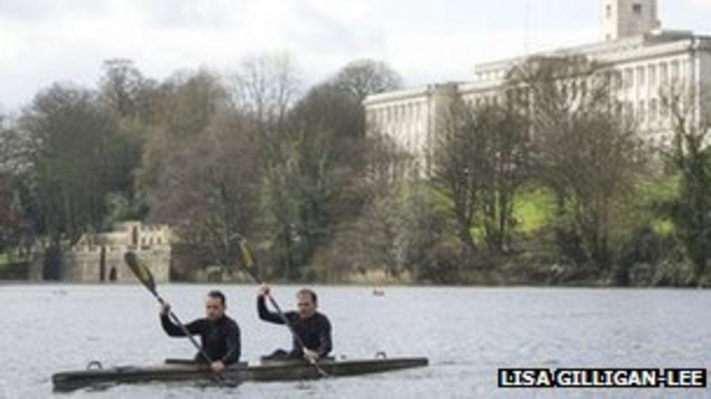 Professor Kevin Shakesheff's 125-mile kayak quest - BBC News
