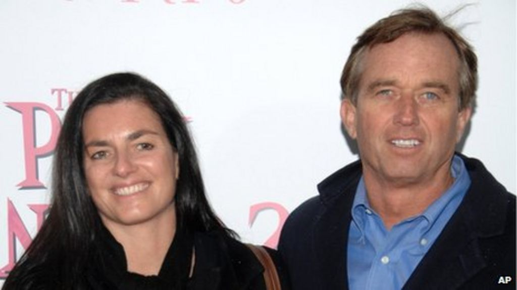 Robert F Kennedy Jr S Estranged Wife Mary Dead Bbc News,Peaceful Bedroom Romantic Master Bedroom Paint Colors