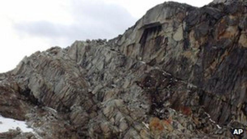 Peru helicopter crash: 'All 14 found dead' - BBC News